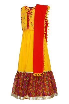 Girls Notched Collar Printed Ghaghra Choli Dupatta Set