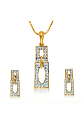 MAHI Gold Plated Crystal Rectangle Pendant Set With Earrings For Women NL4101967G