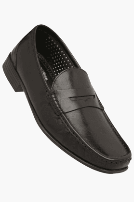 RED TAPE Mens Leather Slipon Smart Formal Shoe - 200495289