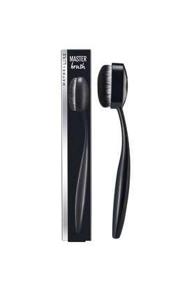Master Foundation Oval Brush