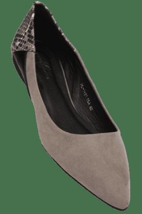 ELLIZA DONATEINWomens Pointed Toe Slipon Ballerina Shoe - 200038746