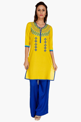 FUSION BEATS Womens Slim Fit Embroidered Kurta