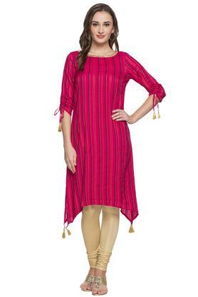 Womens Round Neck Stripe Embellished Asymmetrical Kurta