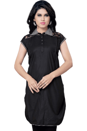 DEMARCA Womens Solid Kurta (Buy Any Demarca Product & Get A Pair Of Matching Earrings Free)