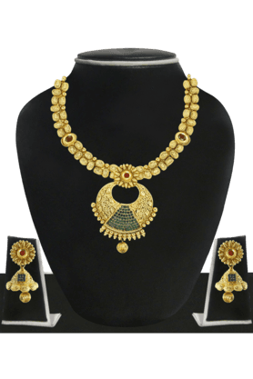 ZAVERI PEARLS Womens Gold Plated Necklace Set - 200929075