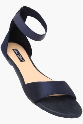 RAW HIDEWomens Casual Wear Zipper Closure Flat Sandals