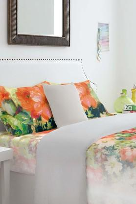 SPACES Cotton Floral King Bedsheet With Pillow Cover