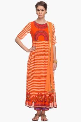 HAUTE CURRY Womens Printed Kurta Pants And Dupatta Set