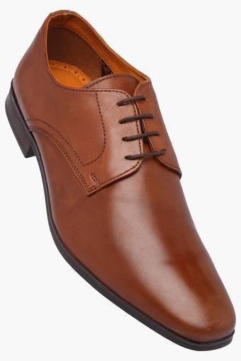 Buy RED TAPE Mens Teak Lace Up Leather Formal Shoe  3a01a8e756f3