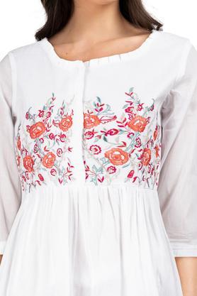 Womens Ruffled Collar Embroidered Kurta