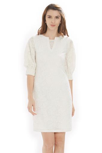B831 -  Off WhiteT-Shirts - Main