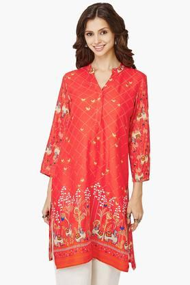 GLOBAL DESI Women Printed V- Neck Kurta