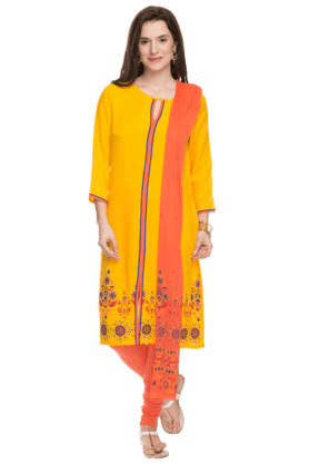 HAUTE CURRY Womens Printed Churidar Suit