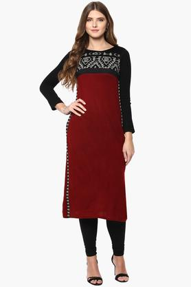 W Womens Round Neck Knitted Embroidered Kurta