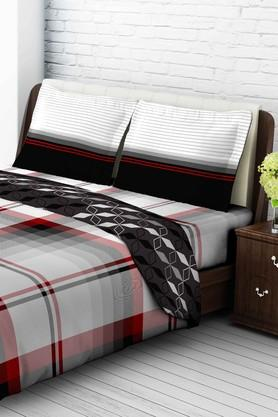 TANGERINETangy Orange Cotton Double Bedsheet With 2 Pillow Covers - Red & Black