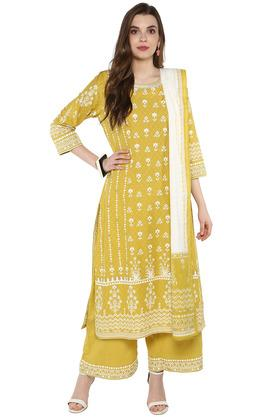 7745ff0494f1f5 Ethnic Wear For Women - Avail Upto 60% Discount on Womens Indian ...
