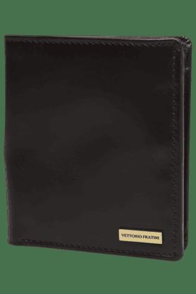 VETTORIO FRATINIMens 1 Fold Leather Passport Holder