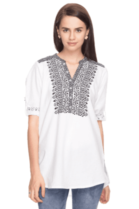 SANAA Women Slim Fit Printed Kurti