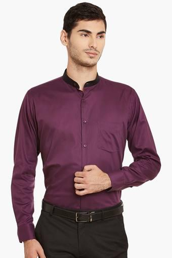 Upto 50% off On Handcock By shopperstop | Mens Purple Solid Pure Cotton Slim Fit Formal Shirt @ Rs.849