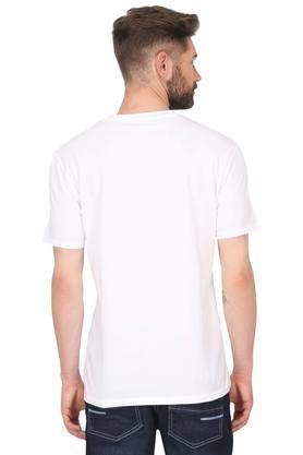 Buy Levi's Men Slim fit Round neck Printed T Shirt White