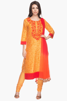 STOPWomens Floral Print Churidar Suit