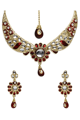SIA Floral Design Necklace Set With Mang Tikka - 16343