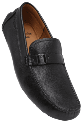 CLARKSMens Leather Slipon Casual Shoe