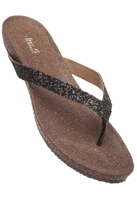 INC.5Womens Black Slipon Flat Sandal