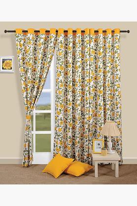 Eyelit Curtain