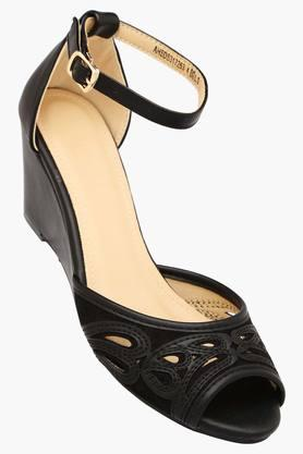 Womens Casual Wear Buckle Closure Wedge Sandals