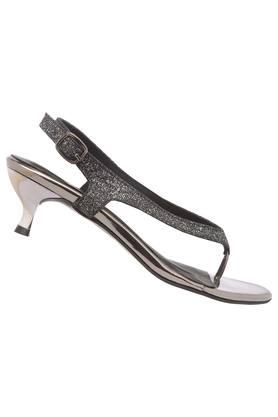 Womens Party Wear Buckle Closure Heels