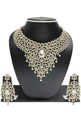 ZAVERI PEARLSDesigner Austrian Diamond Jewel Necklace Set- ZPFK1144