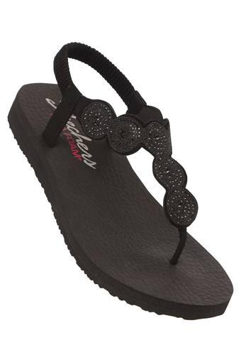 SKECHERS -  Black Flats - Main