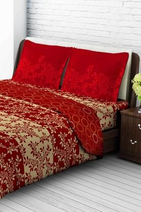 TANGERINETangy Orange Cotton King Bedsheet With 2 Pillow Covers - Beige & Red