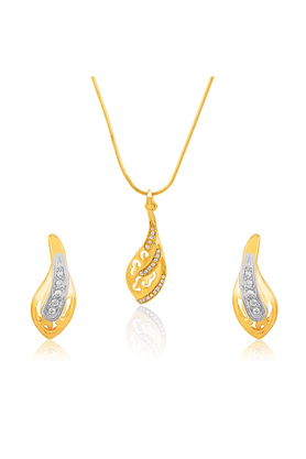 MAHIMahi Gold Plated Magnificient Curve Pendant Set With Crystals For Women NL1101776G