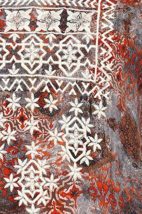 Womens Notched Neck Embroidered Kurta