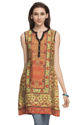 HAUTE CURRY Womens Regular Fit Kurti - 200426782