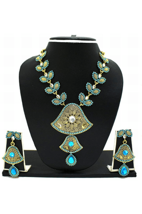 ZAVERI PEARLS Classy Color Necklace Jewel Set - ZPFK3359