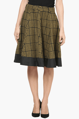 THE VANCAWomens Flared Check Skirt