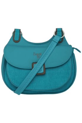 BAGGITWomens Zipper Closure Leather Sling Bag
