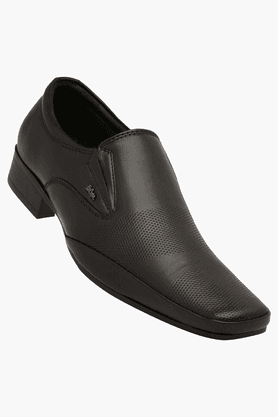 Buy Formal Schuhes for Men   Men  Formal Schuhes Online   Shoppers Stop 6ca48e