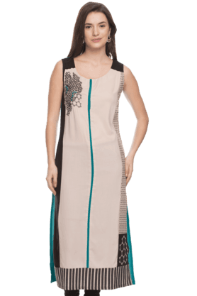 W Womens Sleeveless Embroidered Kurta