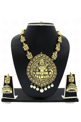 ZAVERI PEARLSTemple Cavred & Pearl Drop Necklace Jewel Set - ZPFK3357