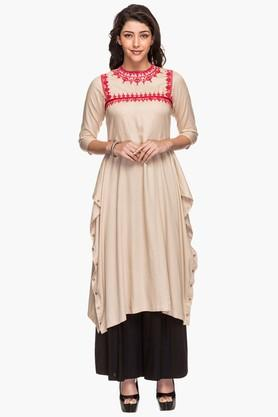 HAUTE CURRY Womens Round Neck Solid Embroidered Kurta