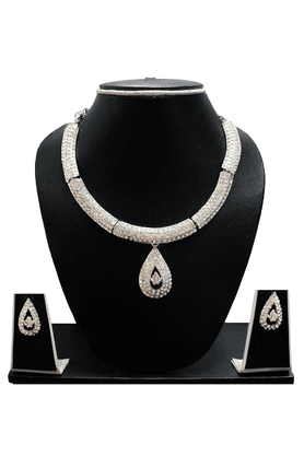 ZAVERI PEARLS Modern Dailywear Jewel Necklace Set - ZPFK1119
