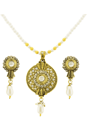 SIA Golden White Pendant Set-16556