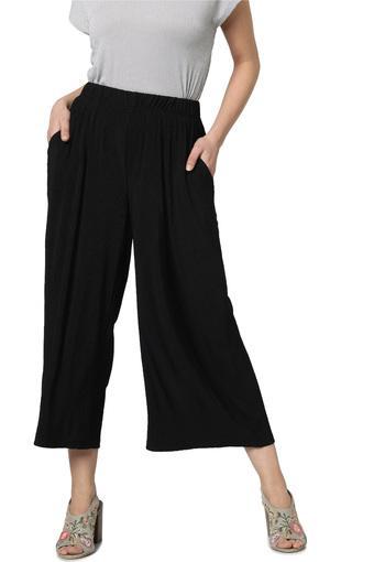 VERO MODA -  BlackCapris & Shorts - Main