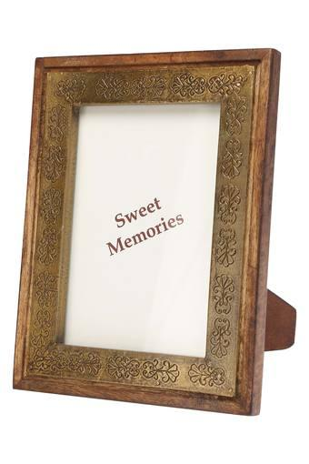 ADARA -  Brass Photoframes - Main