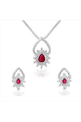 MAHI92.5 Sterling Silver Daffodil Swarovski Zirconia Red Pendant Set Without Chain From Elysia Collection By Mahi NL3101006SPin