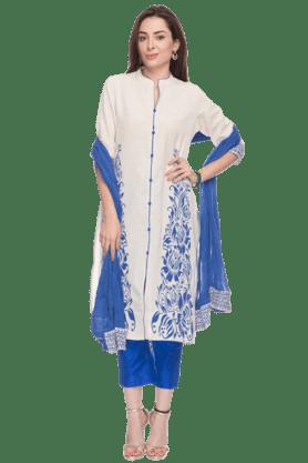 STOPWomens Floral Printed Churidaar Suit